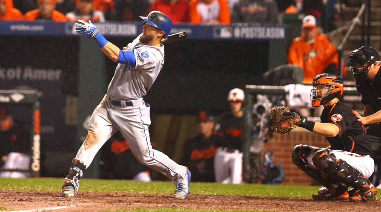 Alex Gordon hit a solo home run in the 10th inning to put the Royals up 6-5 on the Orioles.