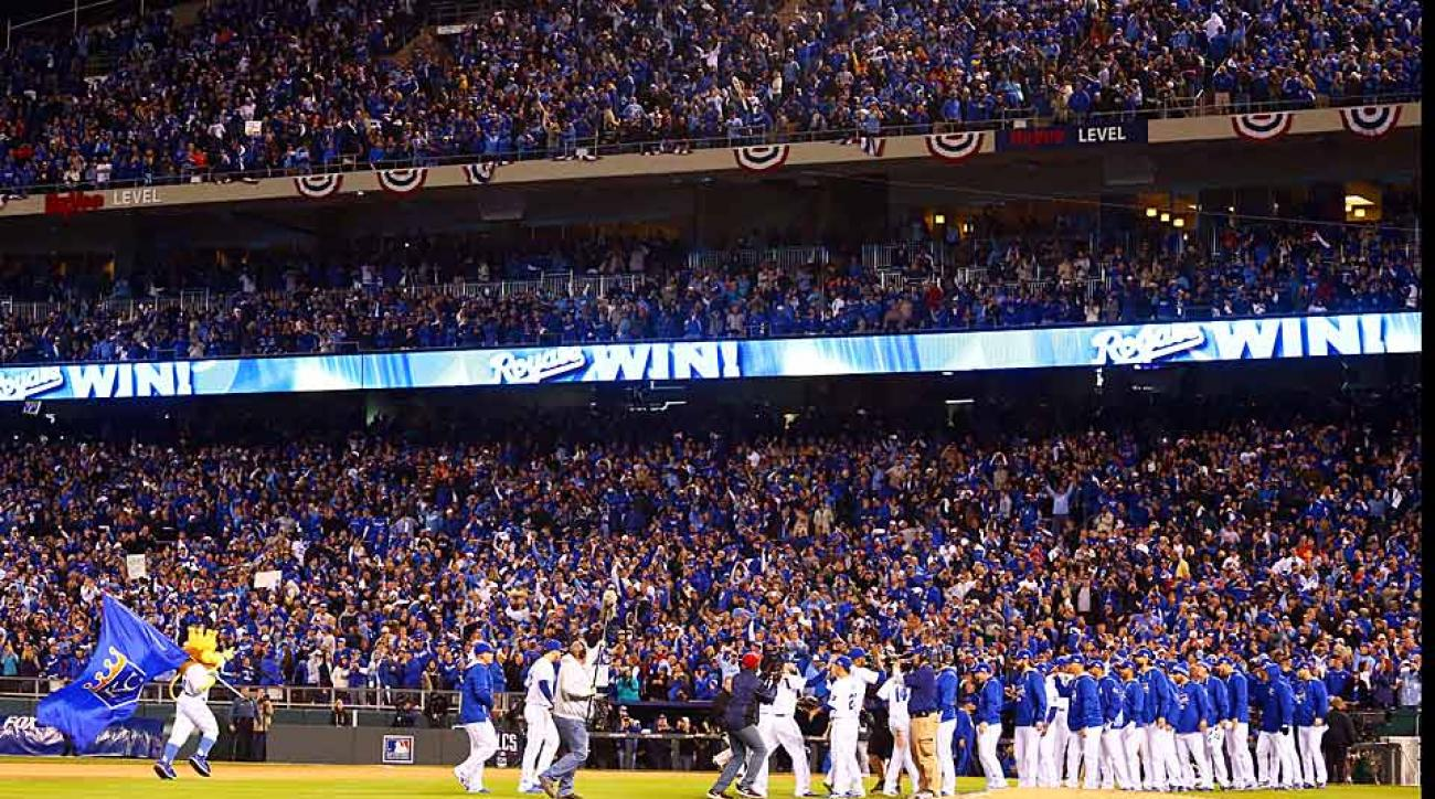 Royals celebrate ALCS Game 3 win