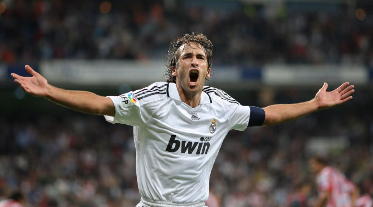 real madrid New York Cosmos sign Raul