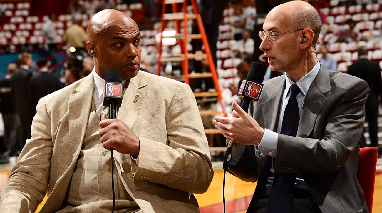 Charles Barkley spoke to SI.com's Richard Deitsch on a variety of topics including the Chicago Bulls.