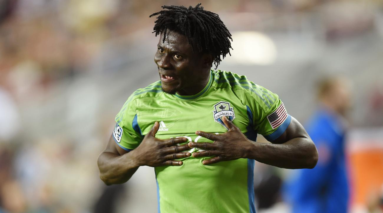 Sounders sign F Obafemi Martins contract extension