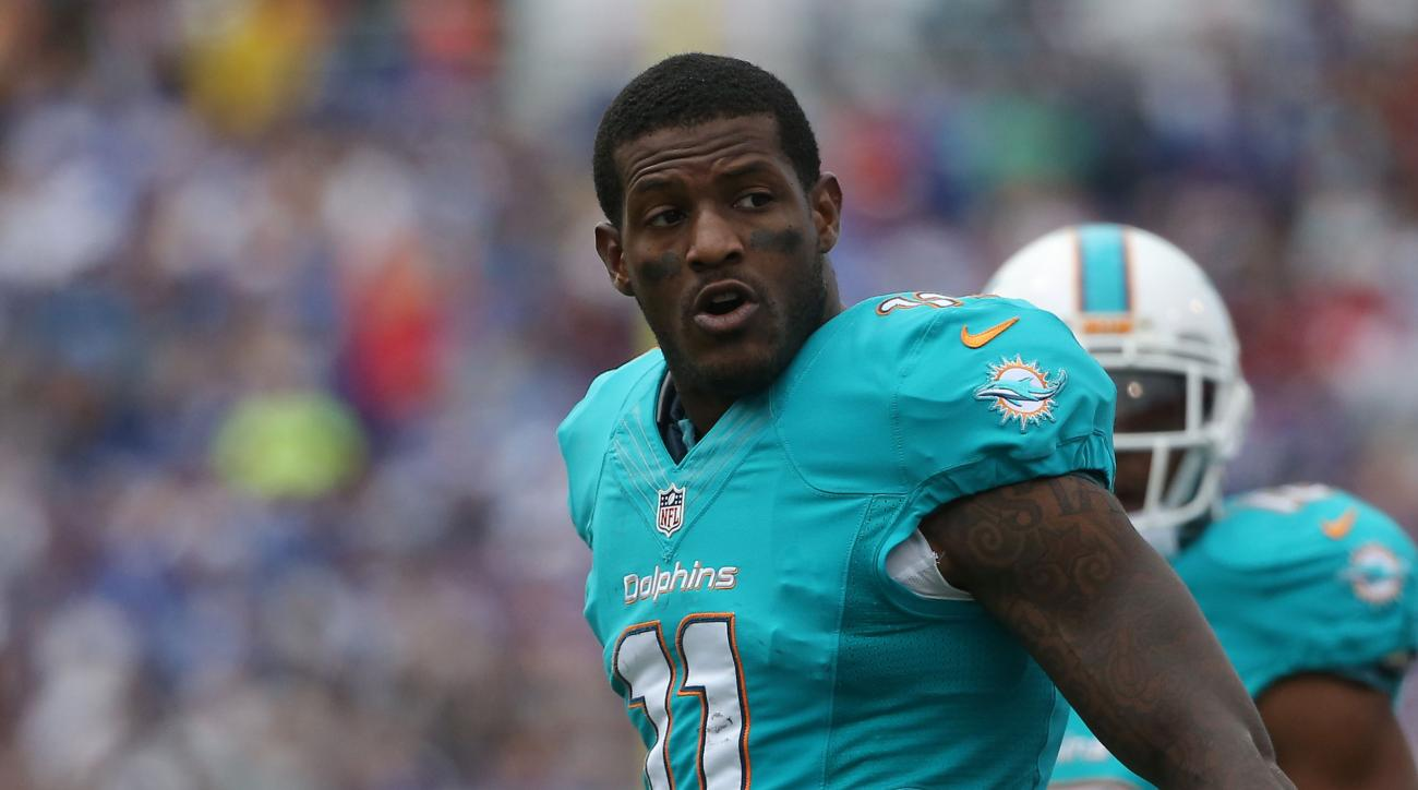 Dolphins Mike Wallace calls out offense