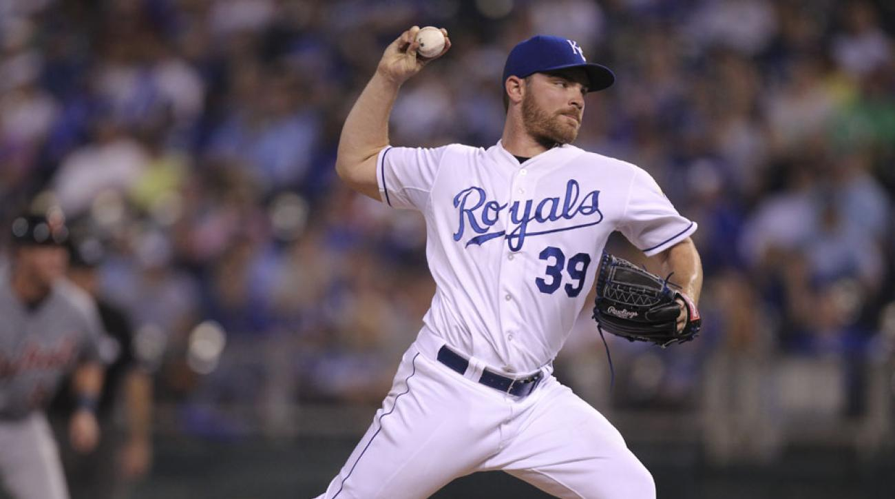 Royals trade Liam Hendriks to Blue Jays