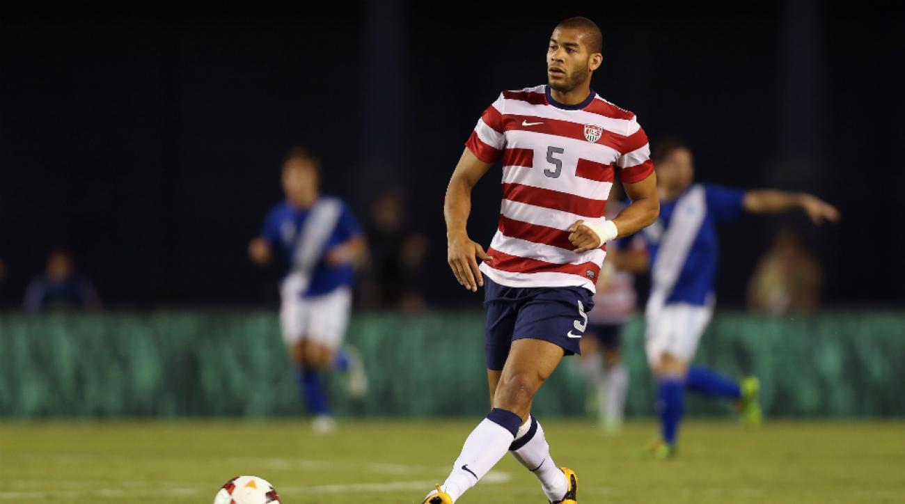 USA defender Oguchi Onyewu signs Charlton Athletic