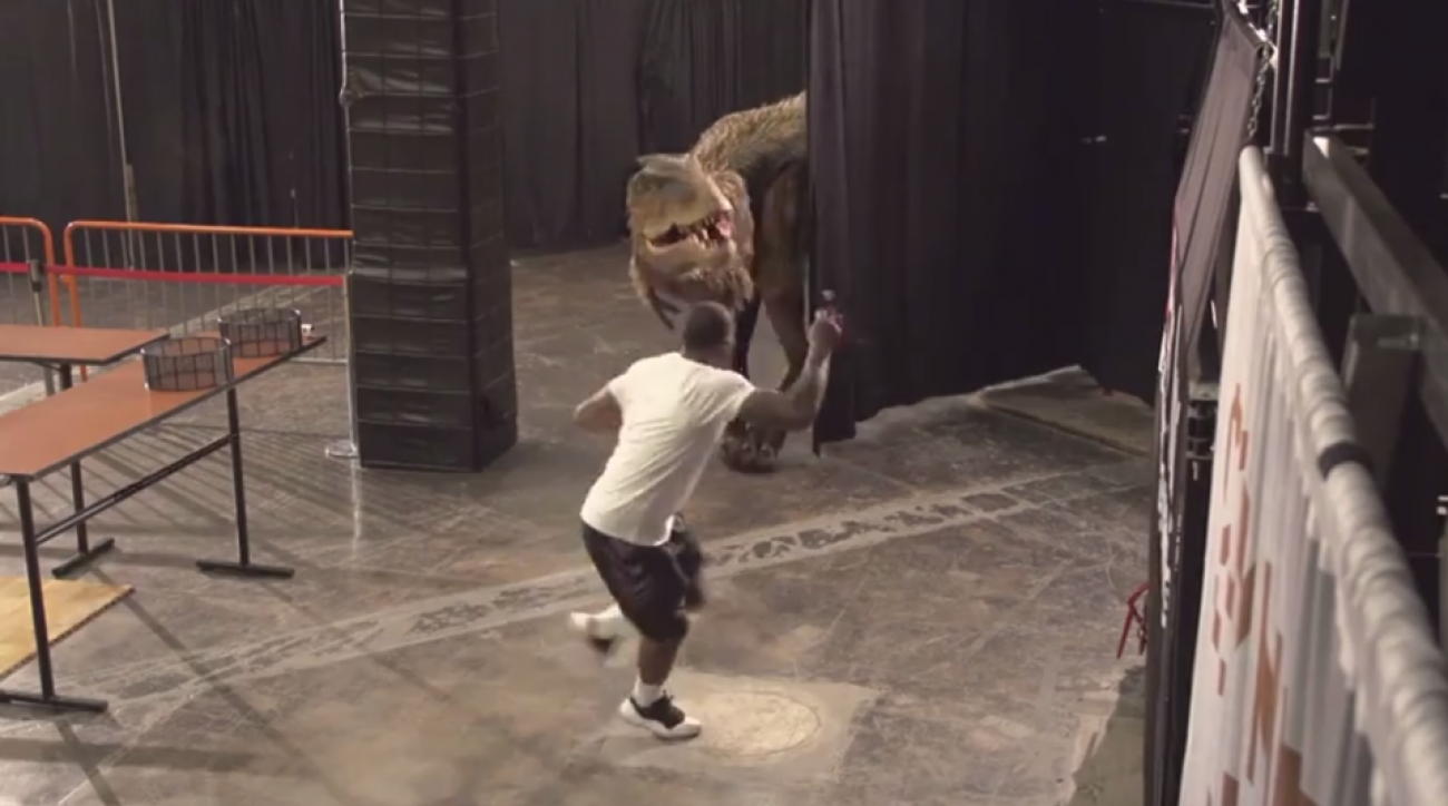 video: phoenix suns' goran dragic scares, pranks teammates with help