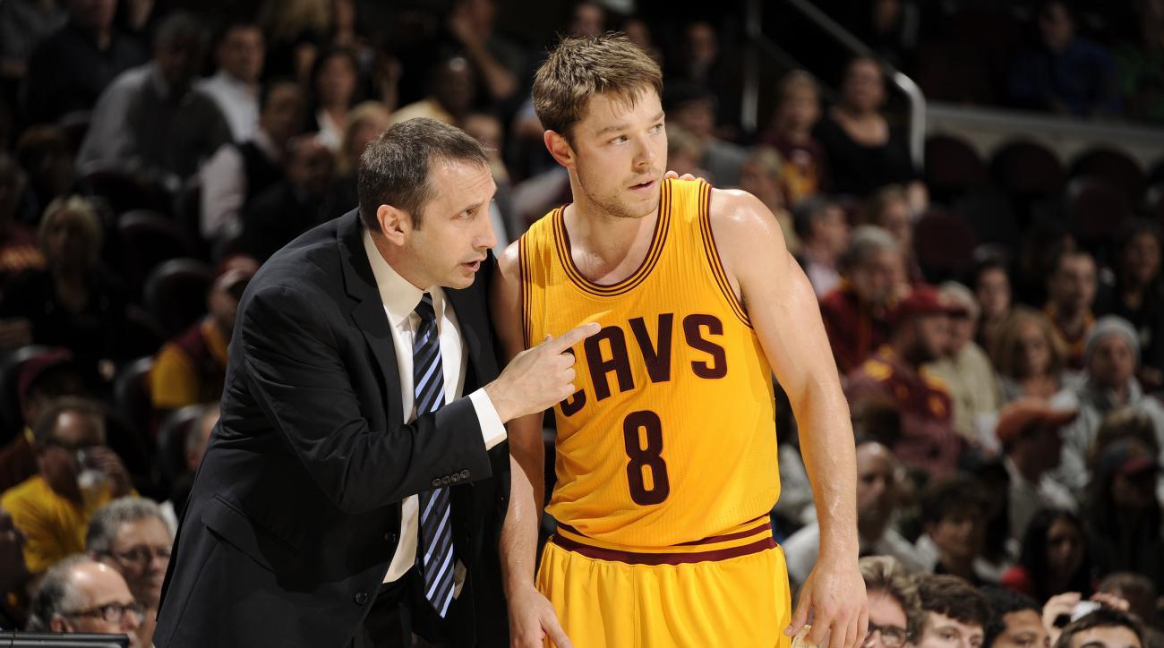 Cleveland Cavaliers Matthew Dellavedova injury mcl sprain