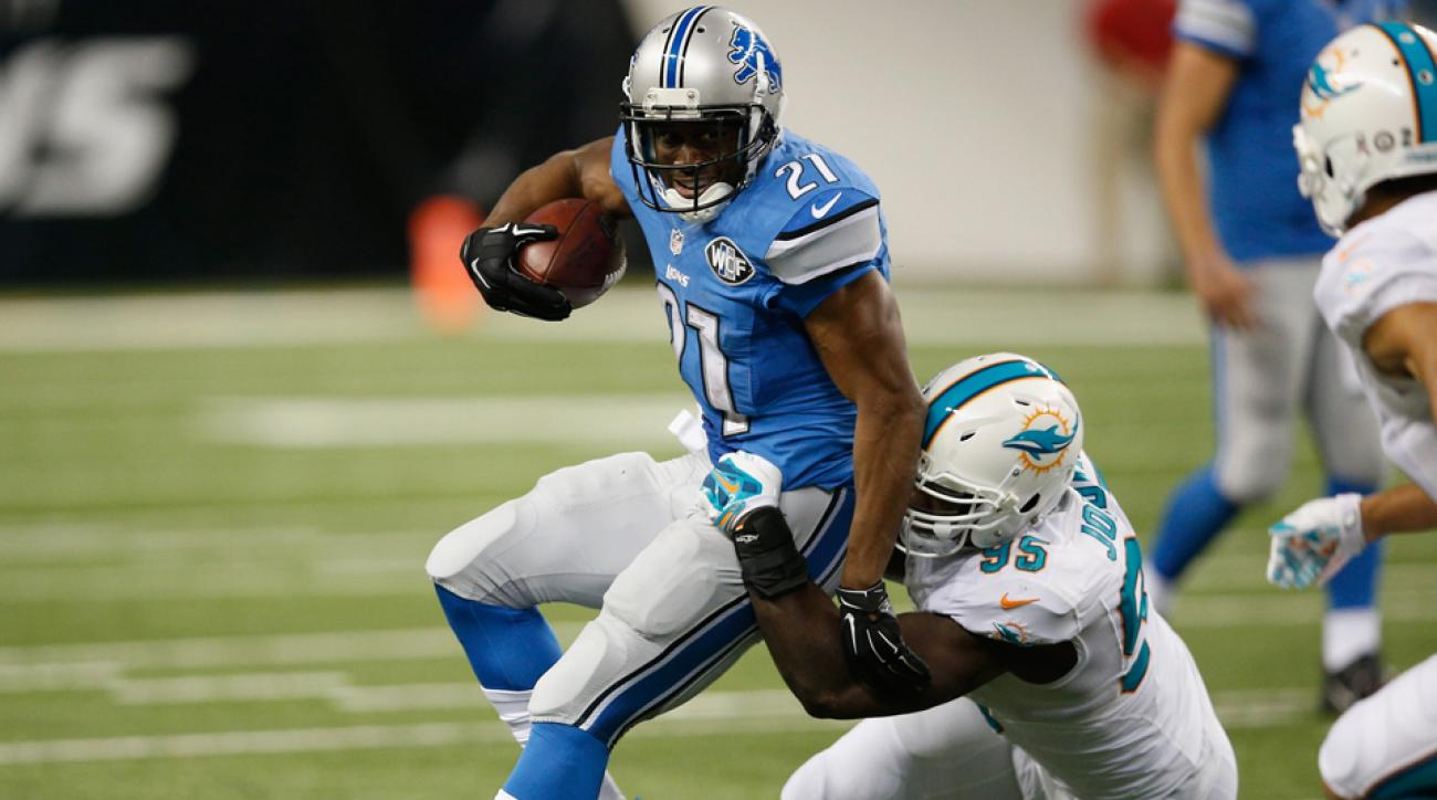 Detroit Lions RB Reggie Bush was limited against the Miami Dolphins due to an ankle injury.