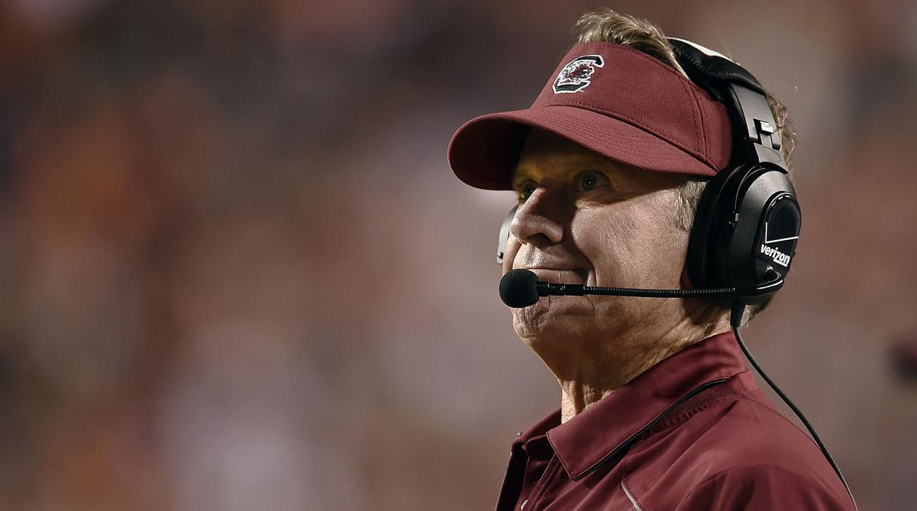 Steve Spurrier apologizes for short press conference