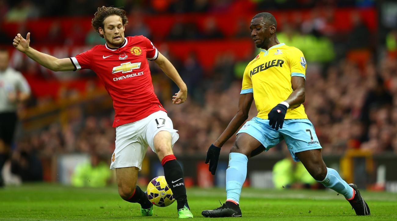 Manchester United's Daley Blind may be out an extended period of time after suffering a knee injury.