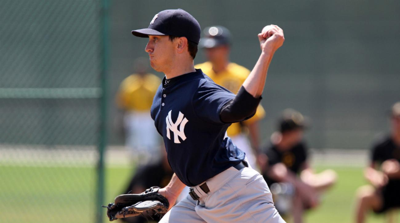 A's sign Pat Venditte switch pitcher