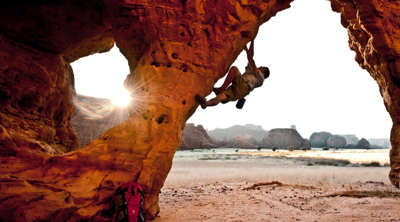 Alex Honnold climbing