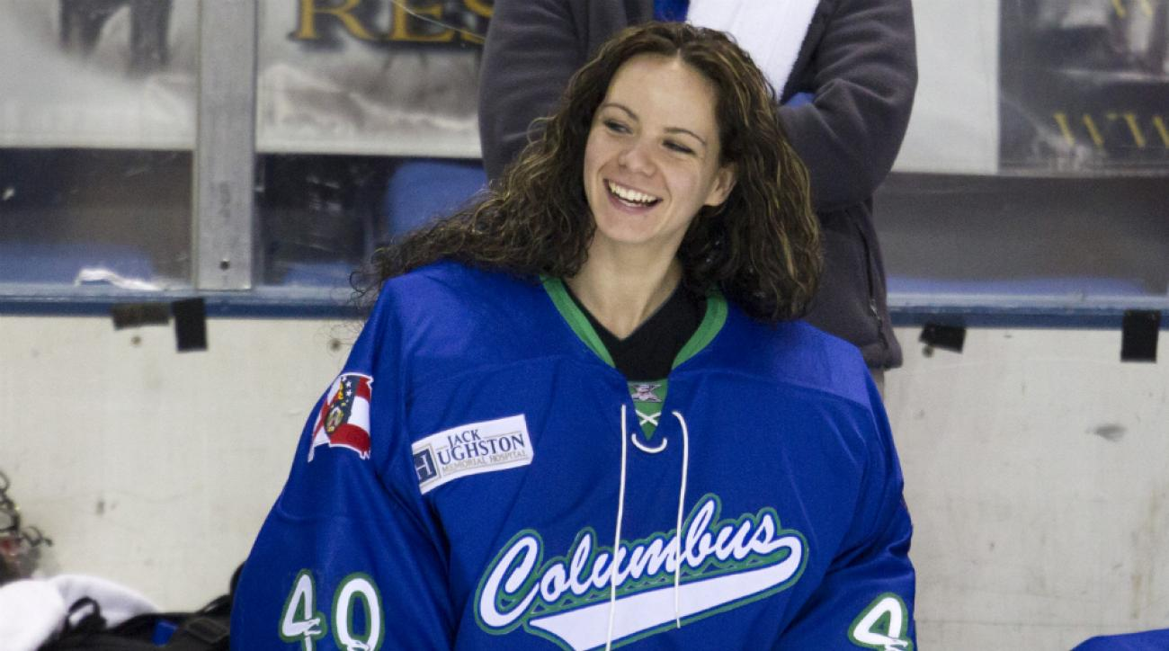 Shannon Szabados first woman win game SPHL