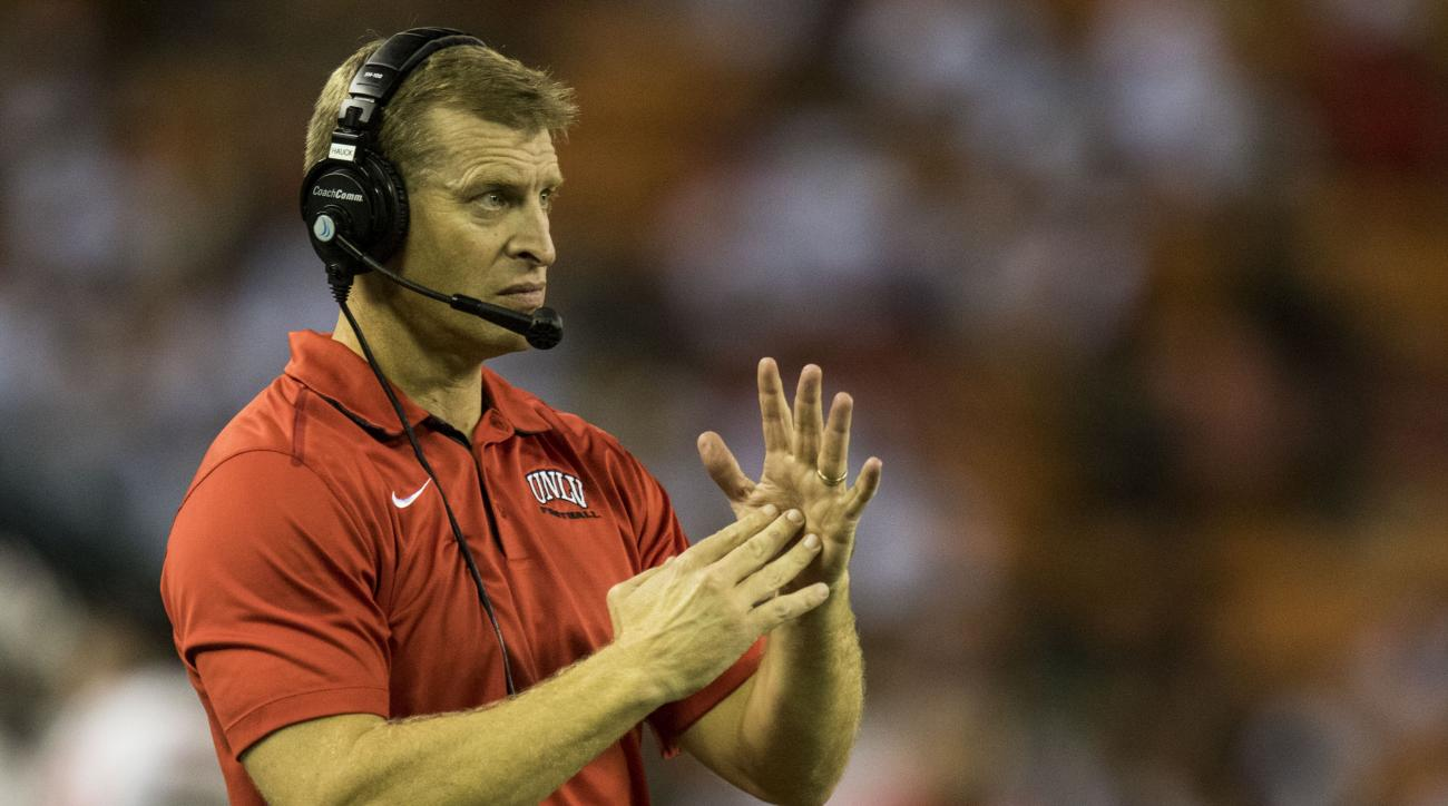 UNLV rebels coach Bobby Hauck resigns
