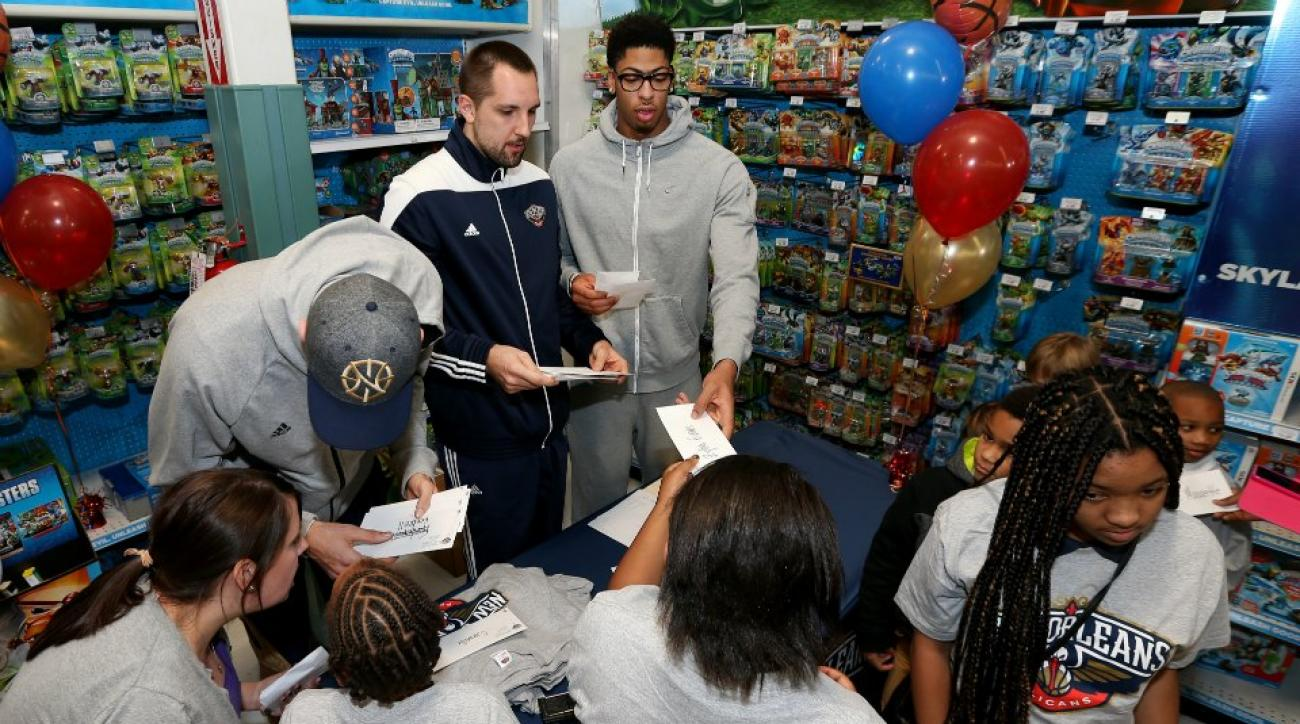 Anthony Davis and the Pelicans hosted a shopping spree for kids on Monday