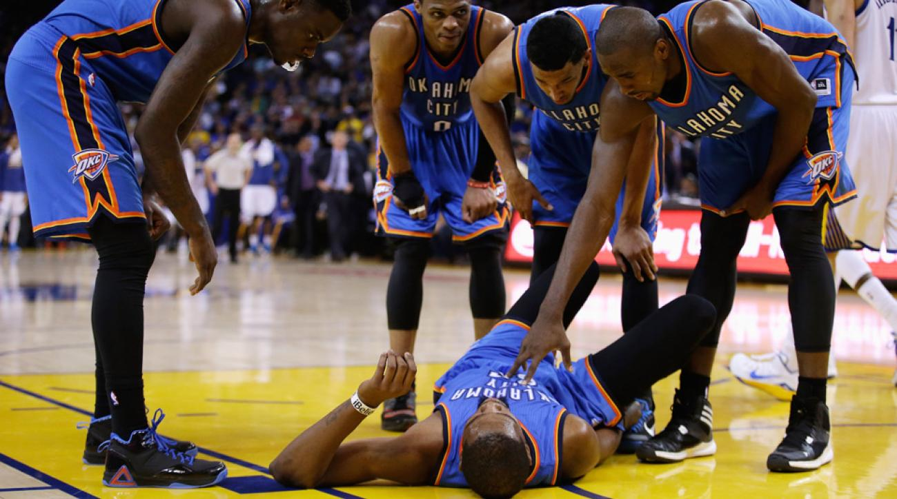 The Thunder's Kevin Durant suffered a sprained right ankle against the Warriors.