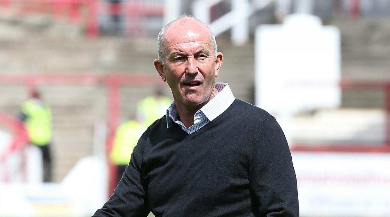 West Brom hires Tony Pulis as manager