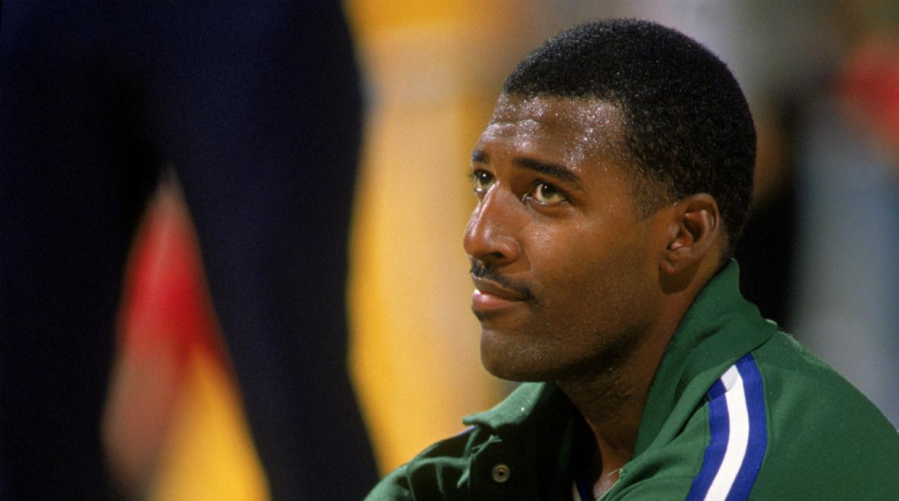 Former Mavericks center Roy Tarpley dies at 50