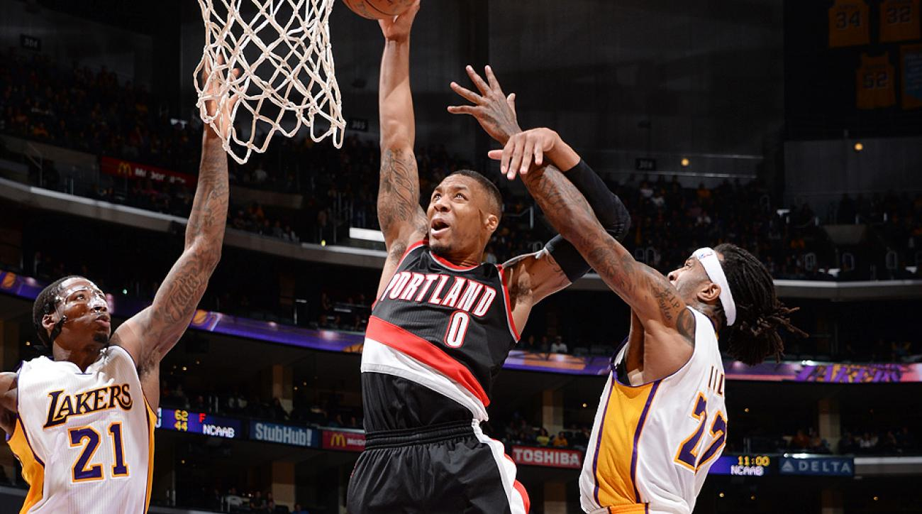 Damian Lillard threw down a huge dunk against the Lakers.