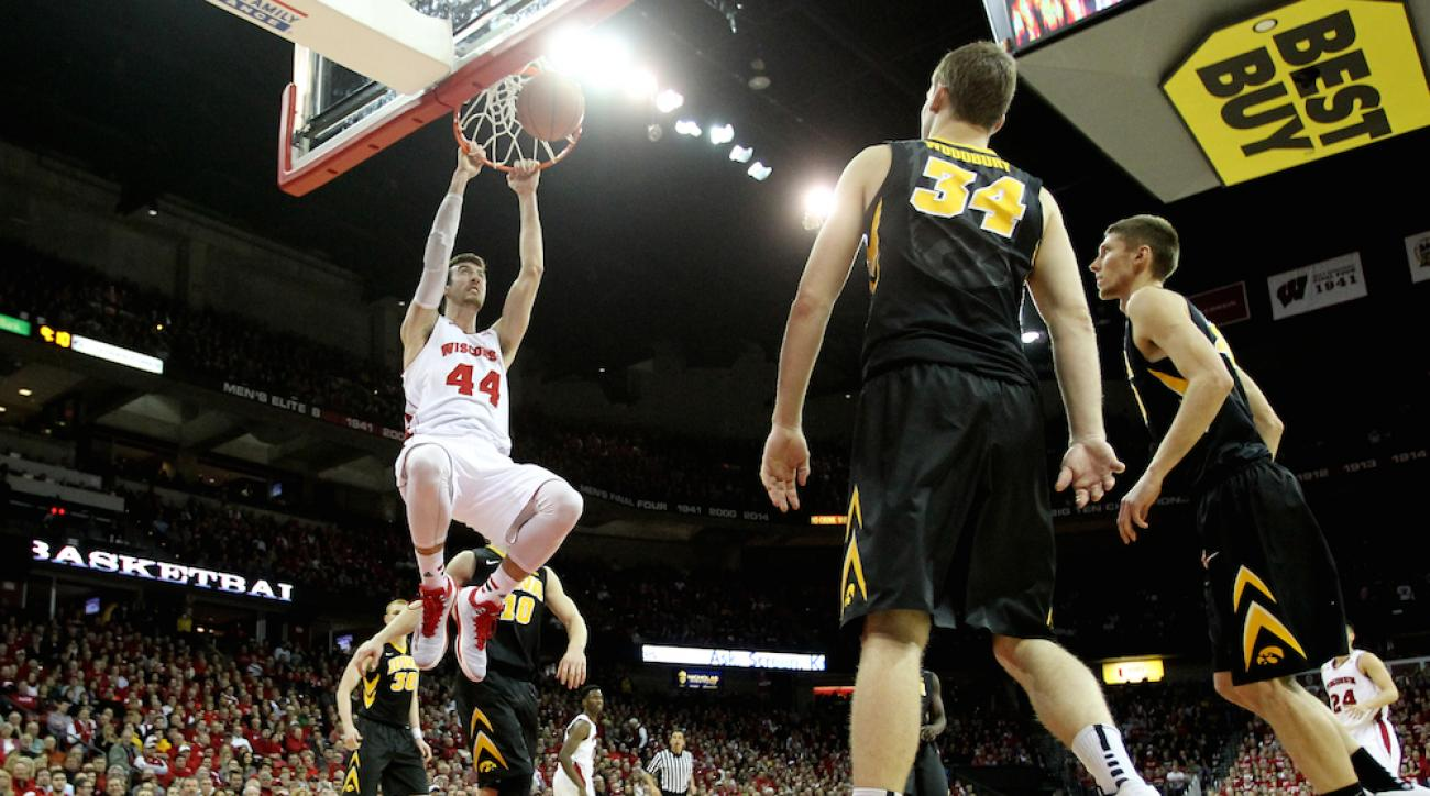 Frank Kaminsky and the Wisconsin Badgers defeated the Iowa Hawkeyes Tuesday at the Kohl Center in Madison, committing just one turnover in the process.
