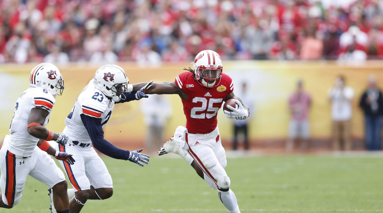 Wisconsin running back Melvin Gordon is leaving early to enter the NFL draft.
