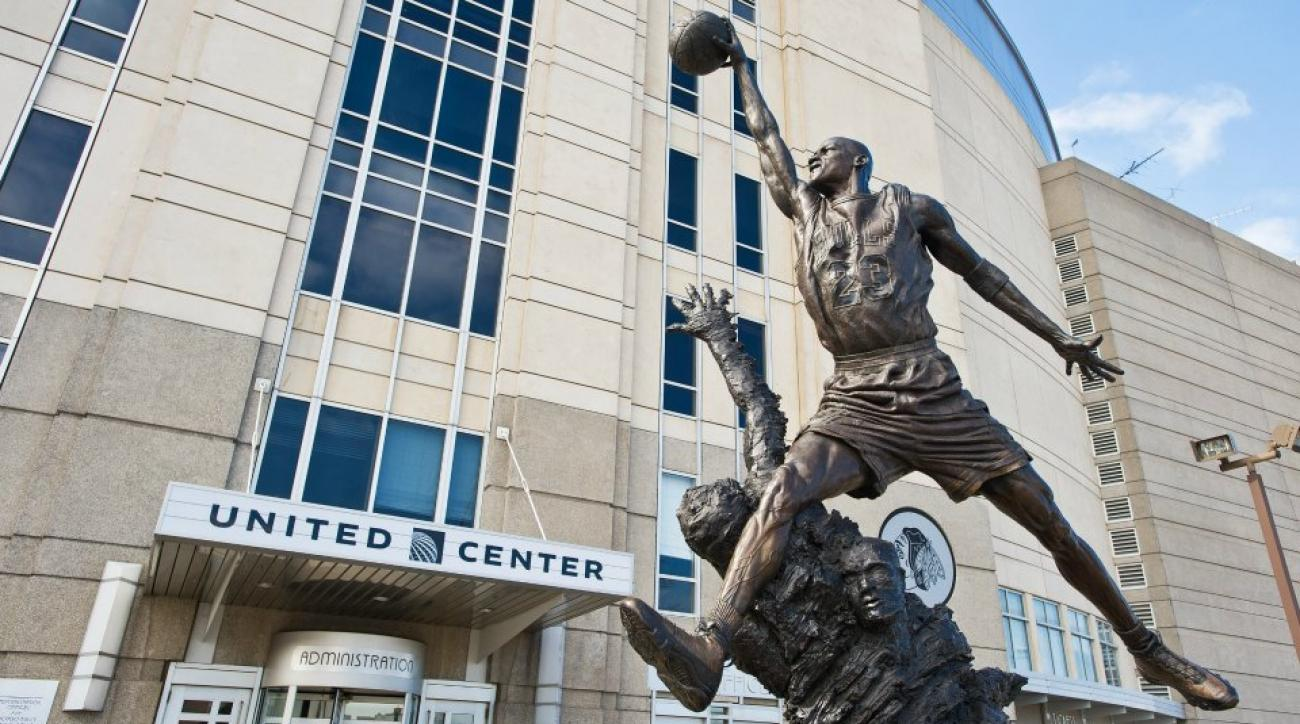 Exterior: Chicago Bulls' Michael Jordan Statue May Be Moved Indoors