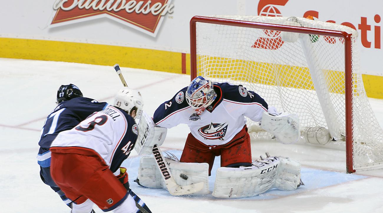 Columbus Blue Jackets goaltender Sergei Bobrovsky will miss 4-to-6 weeks with a groin injury.