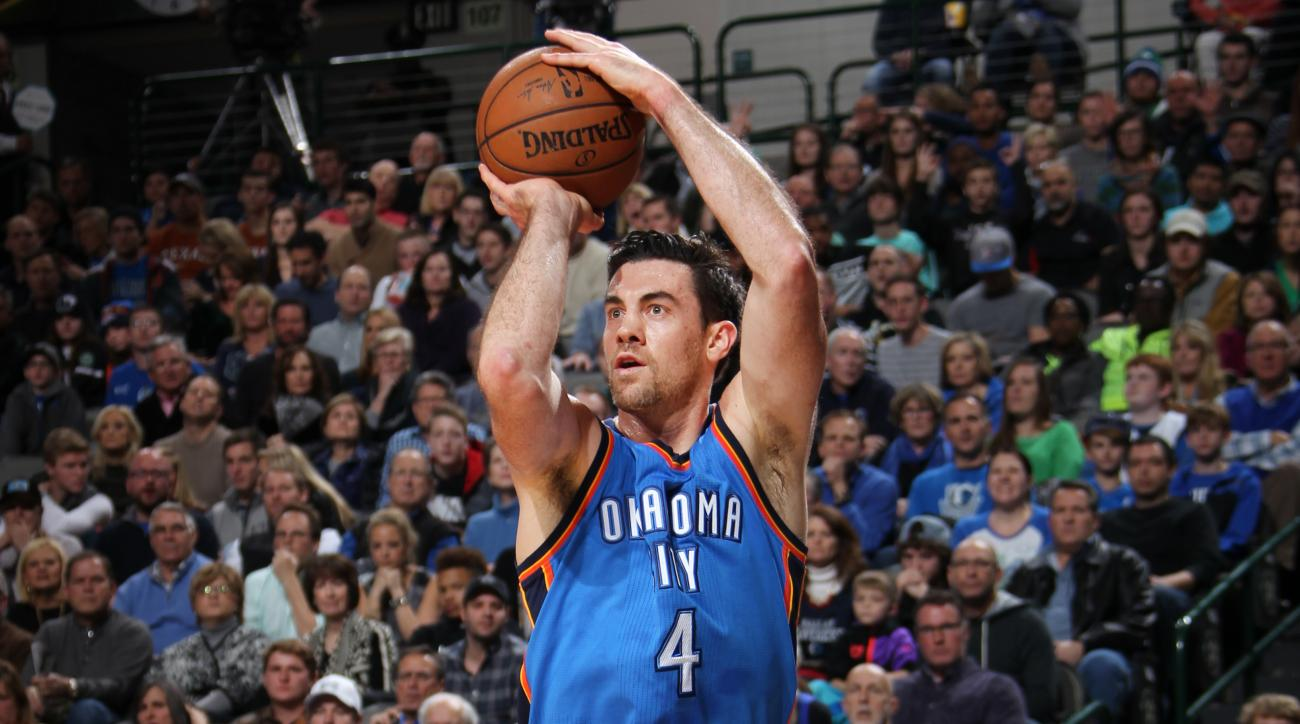 Thunder sign Nick Collison to extension