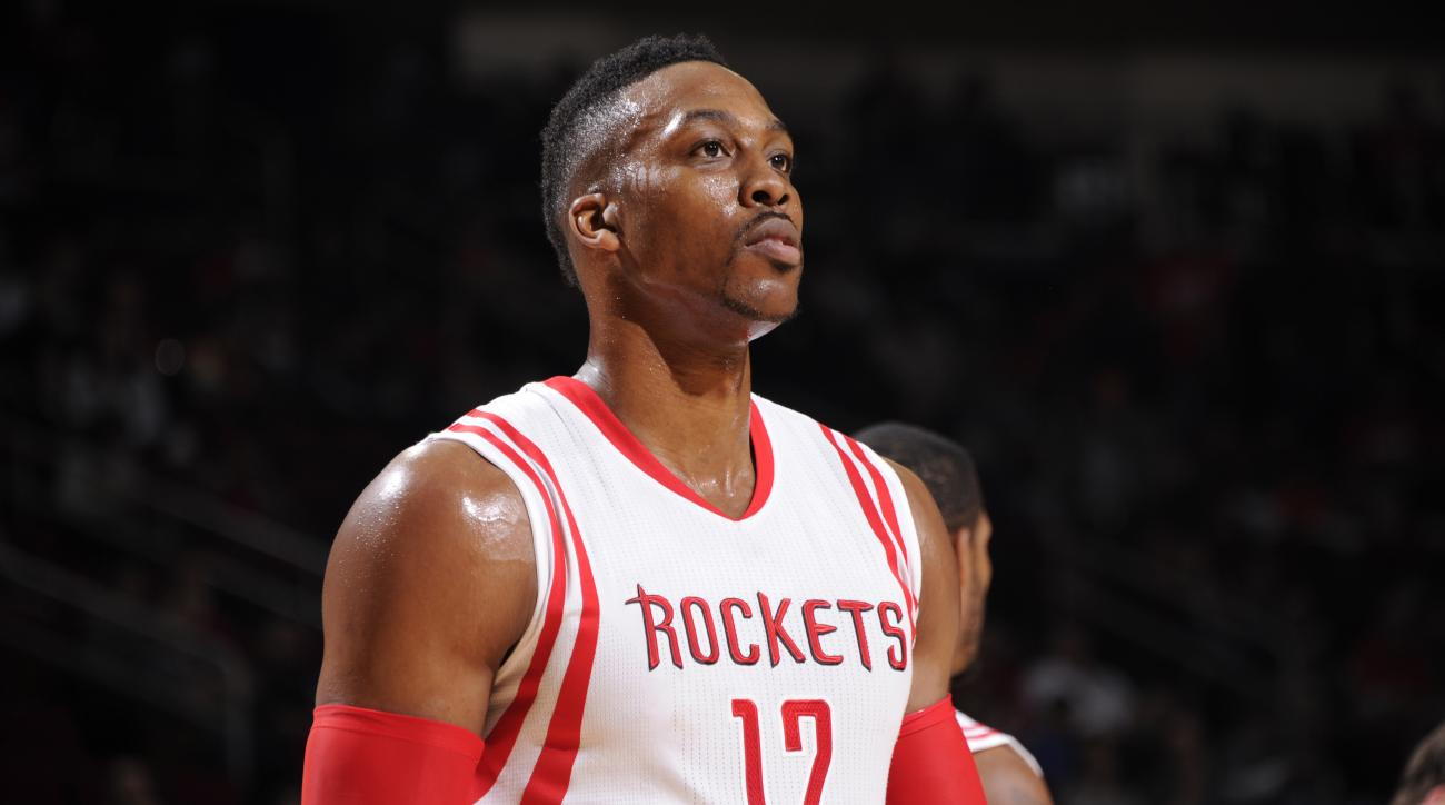 Dwight Howard knee injury out four weeks