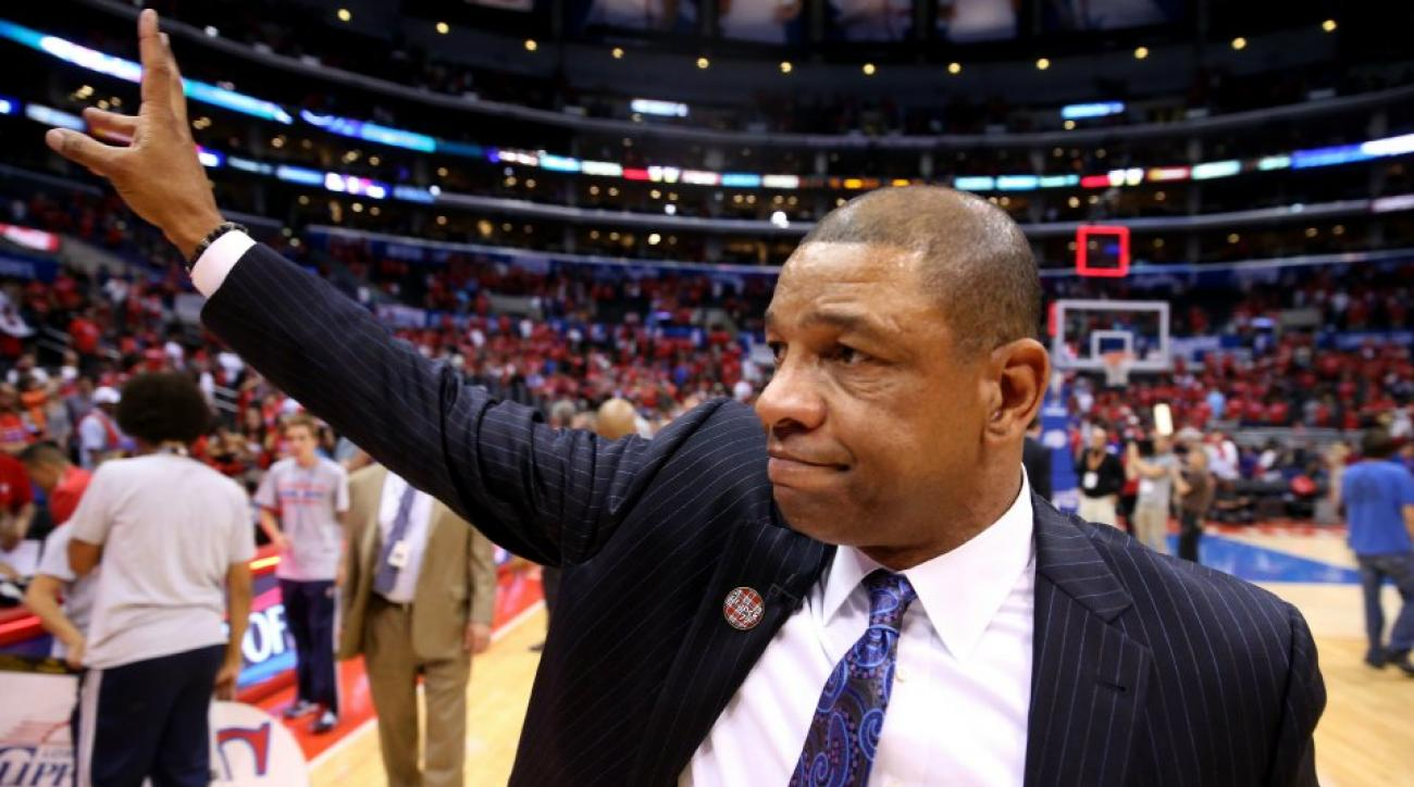 Doc Rivers apolgizes to a young Clippers fan for bad game