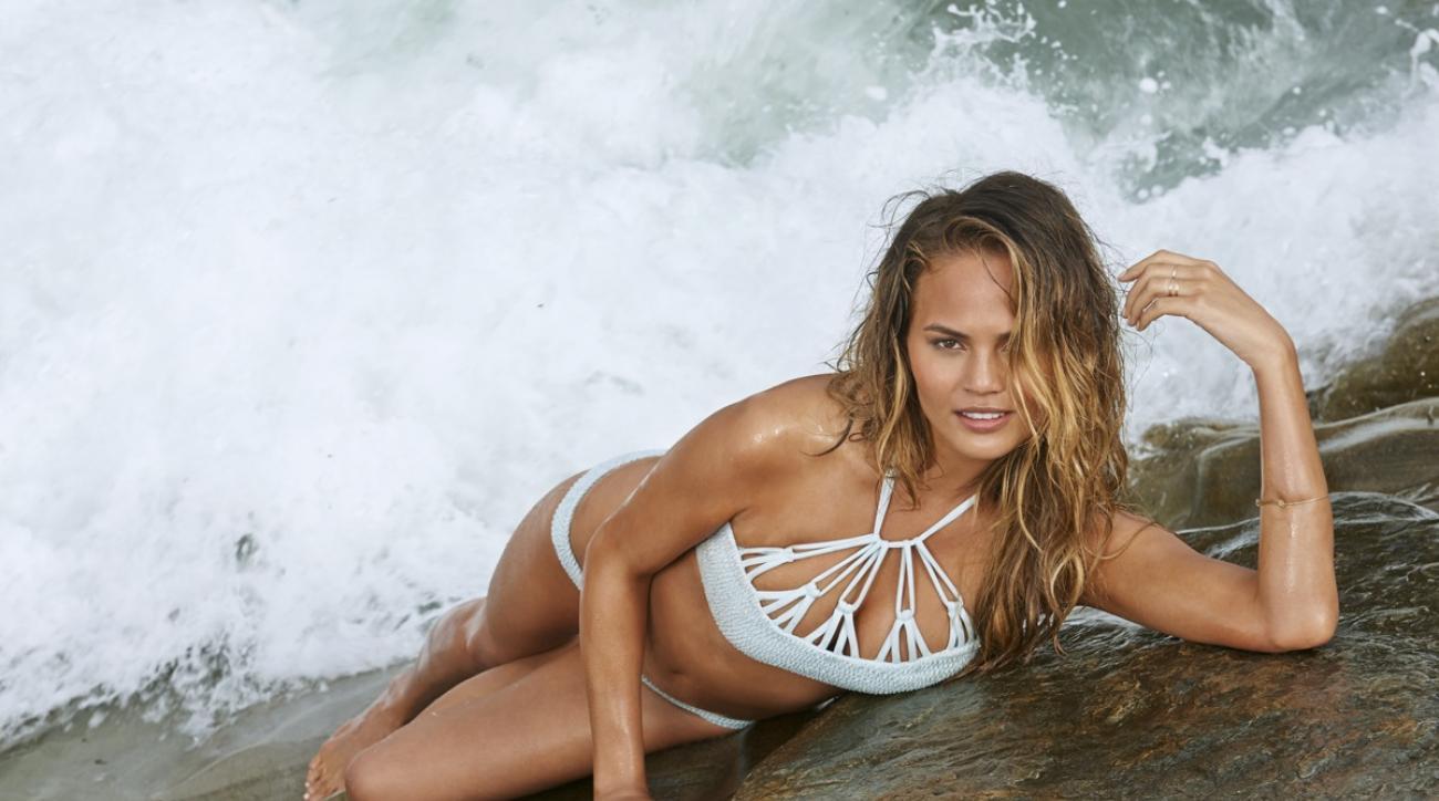 chrissy teigen si swimsuit issue 2015
