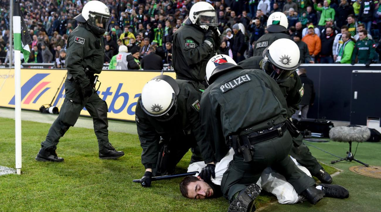 Cologne fan group banned