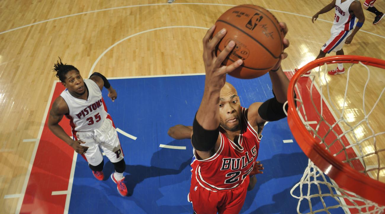 taj gibson chicago bulls hand ligament tear