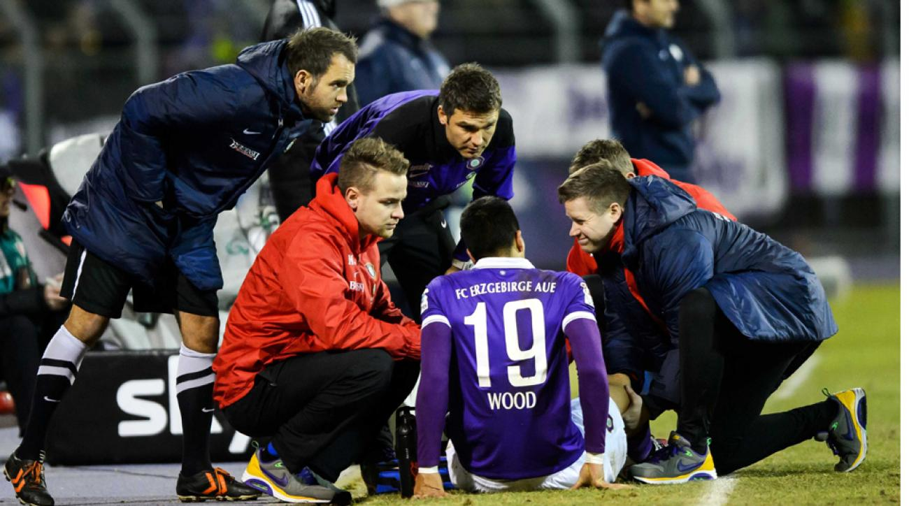 USMNT's Bobby Wood out with knee injury