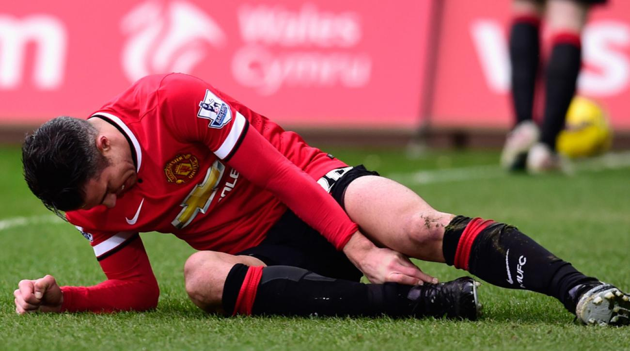 Manchester United's Robin van Persie out with ankle injury