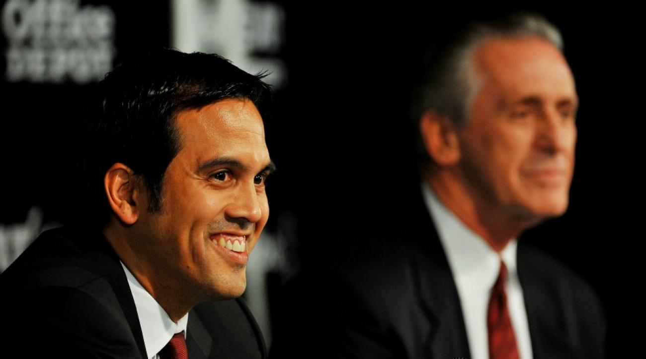 Heat's Pat Riley, Erik Spoelstra join Shane Battier for Karaoke