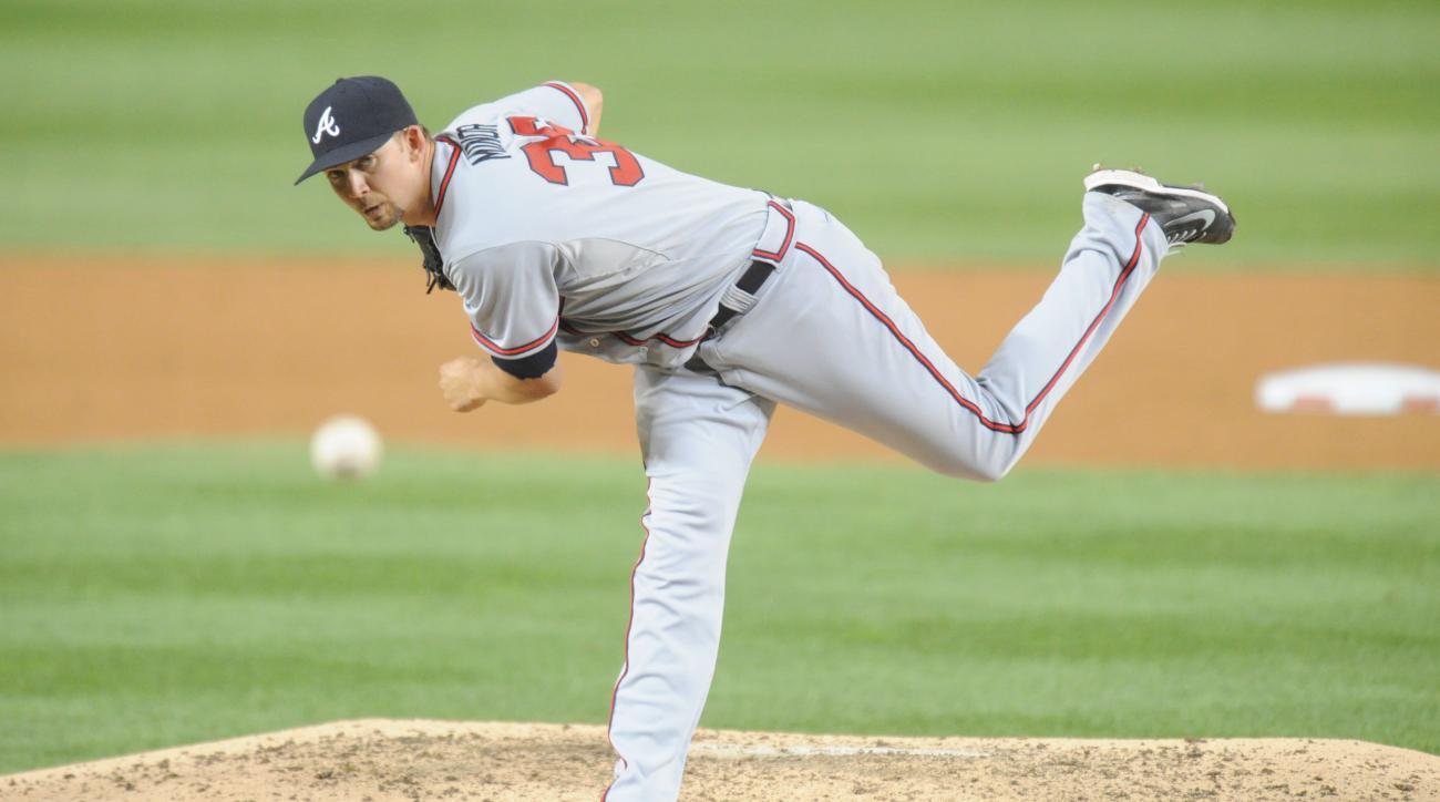 Mike Minor Atlanta Braves left shoulder injury