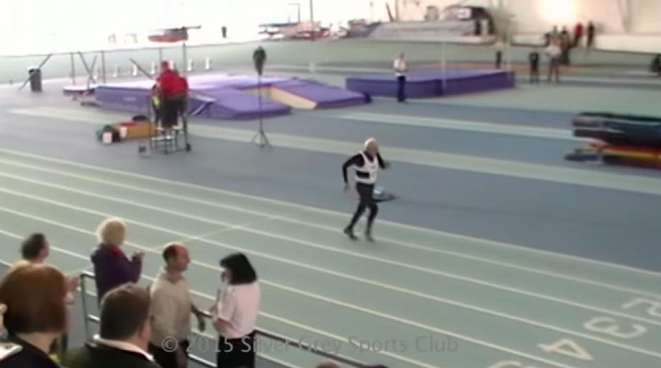 95-year-old man sets 200m World Record