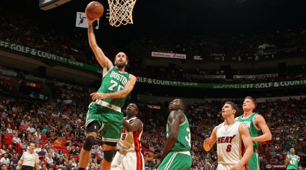 Mario guards Luigi during Celtics-Heat game