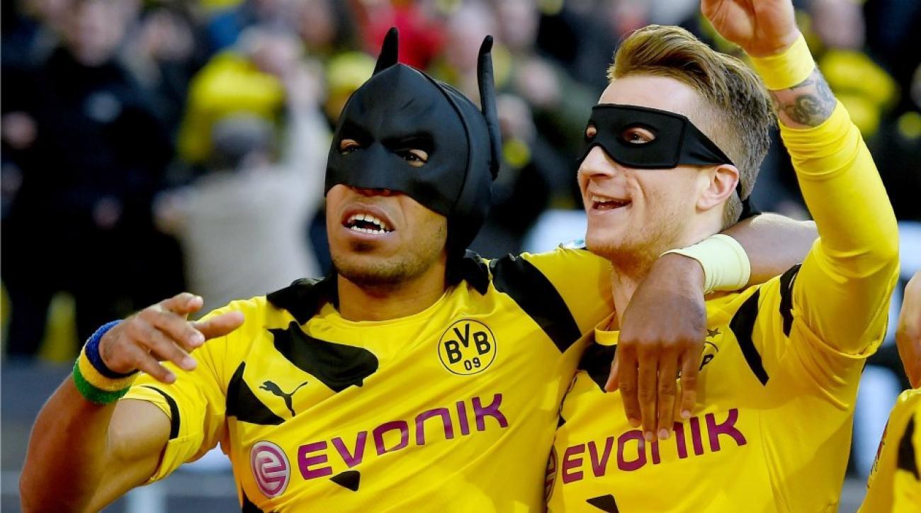 Borussia Dortmund commemorating Batman and Robin celebration with shirt