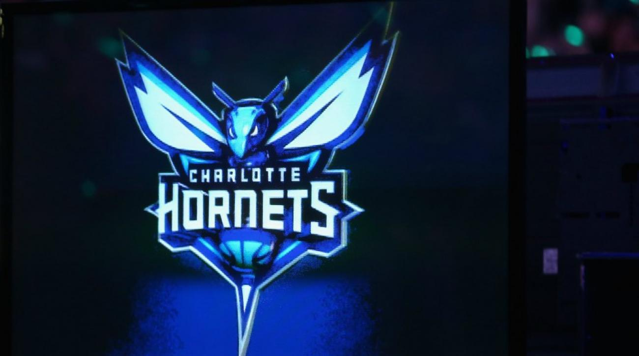 Charlotte Hornets fan hit in the face with basketball