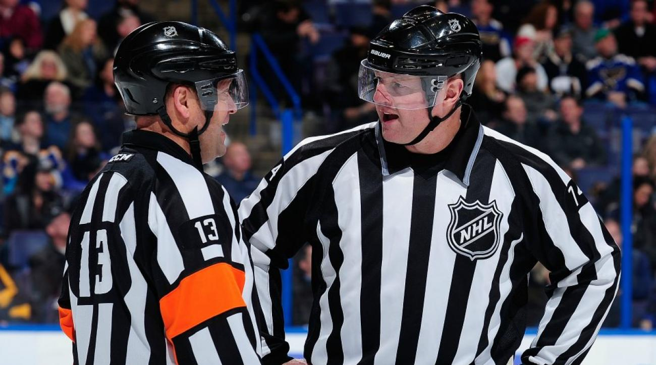 NHL Linesman sings Journey during game