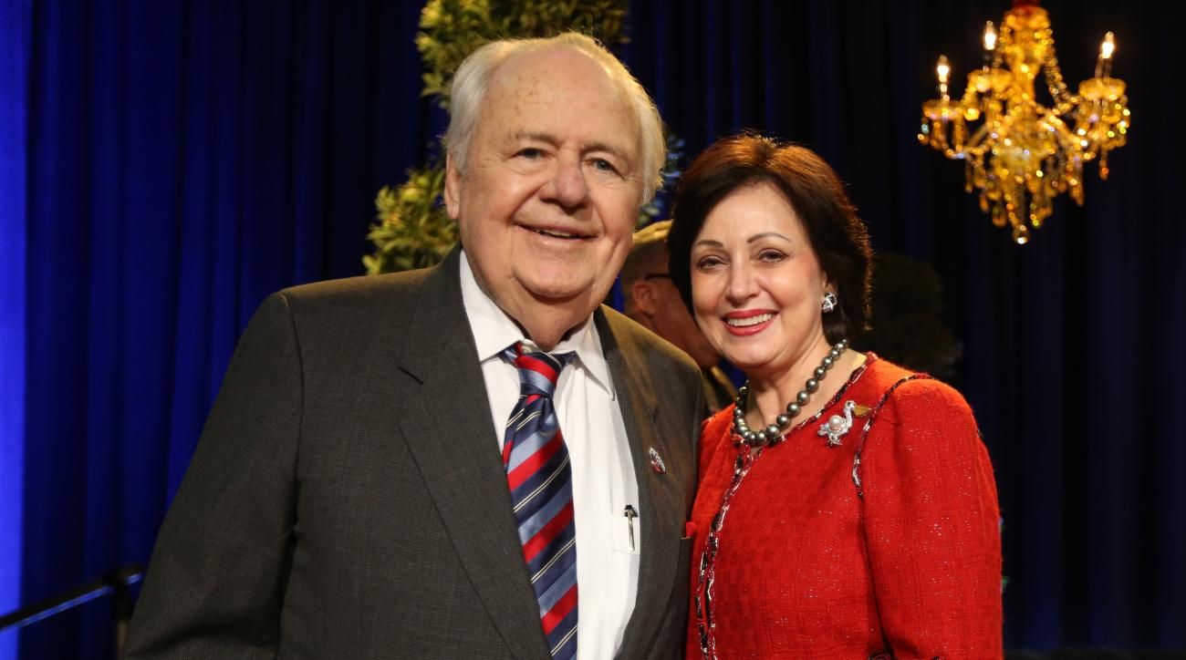 Tom Benson Saints Pelicans family trust lawsuit