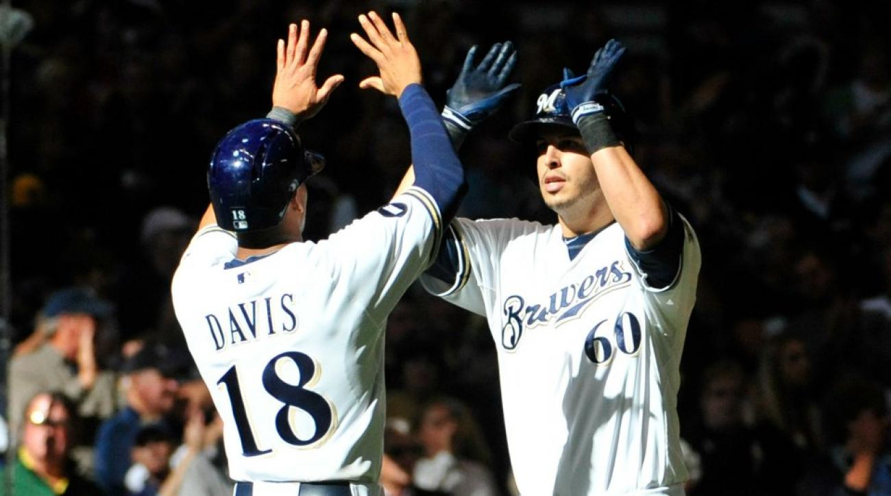 Milwaukee Brewers ban high fives due to pink eye