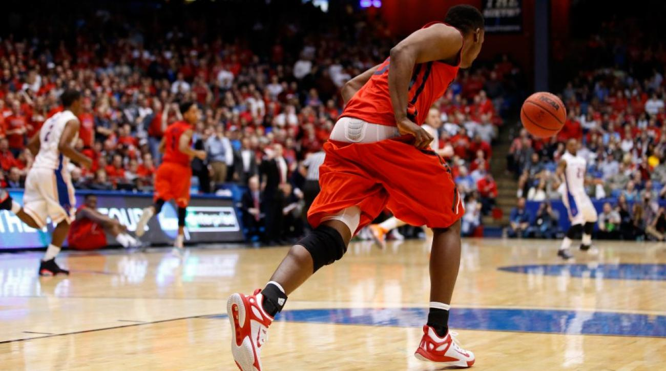 March Madness' first 'shining moment' is Dayton player losing shorts