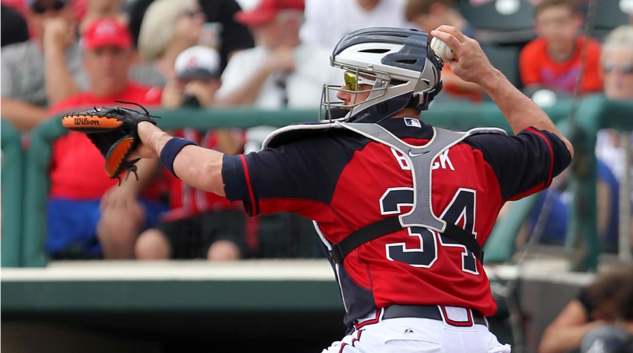 Braves catcher John Buck retires