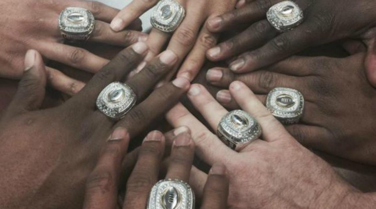 Ohio State showing off massive championship rings