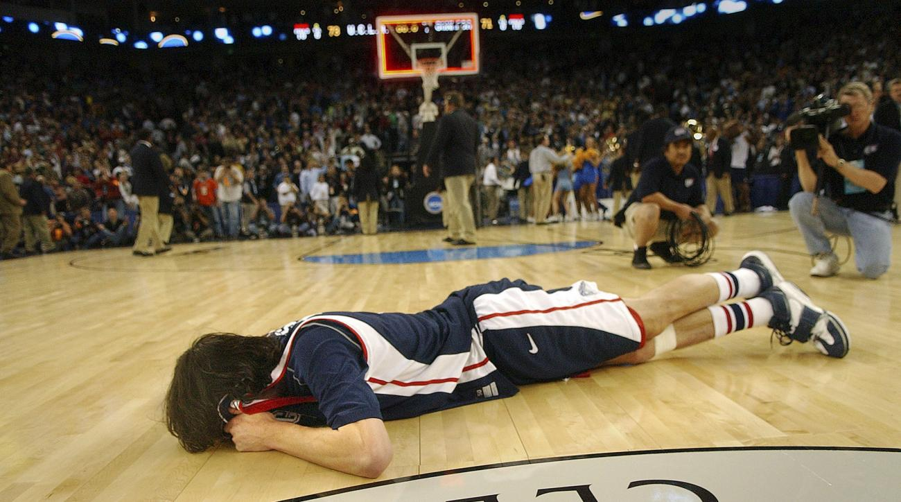 sweet 16 ucla gonzaga adam morrison crying