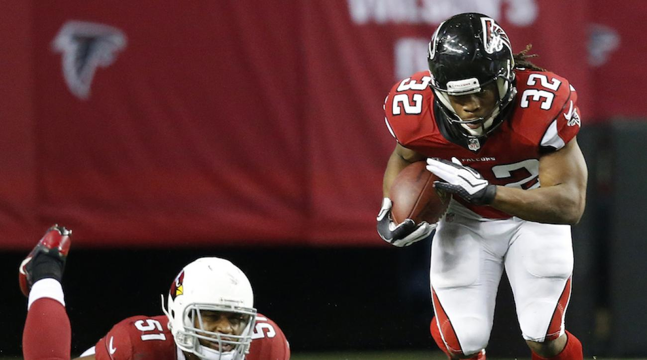chicago signs jacquizz rodgers from atlanta falcons