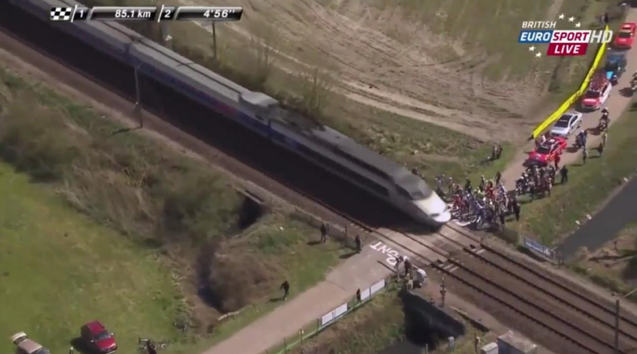 train-cycling-race