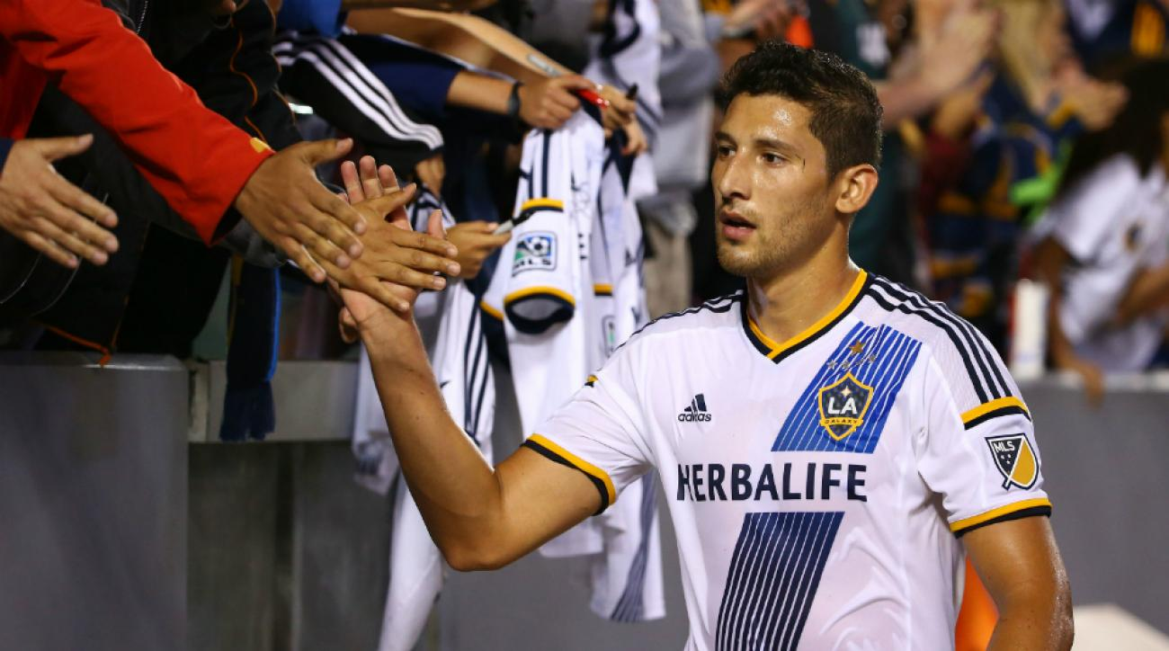 galaxy beat sporting kc stoppage time omar gonzalez